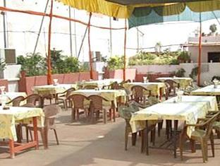 Hotel Priya Agra - Roof Top